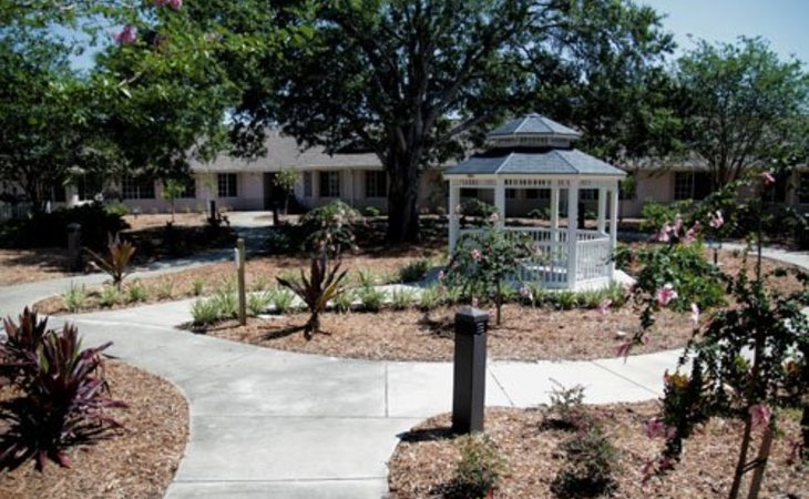 Photos Of Magnolia Gardens Assisted Living 2880 Mo. Very Attractive Palm Garden  Nursing Home.