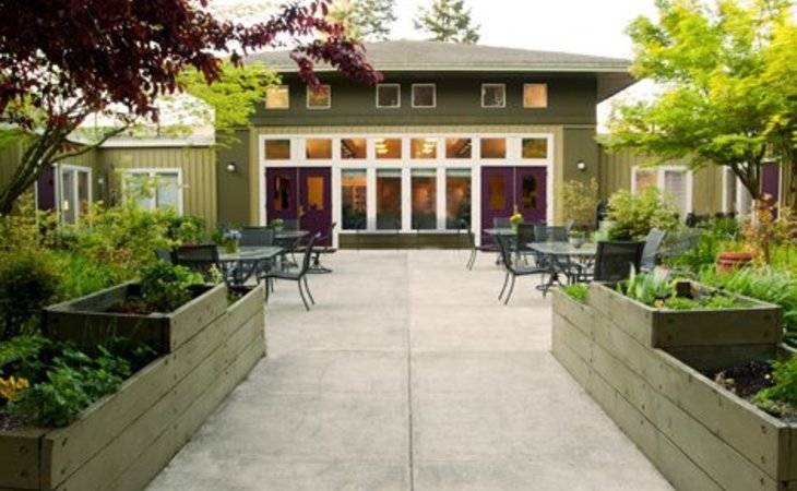 photo of Pacific Gardens Alzheimer's Special Care Center