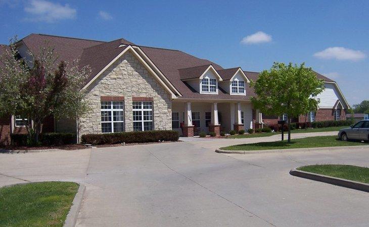 Stupendous Bickford Of Iowa City 2890 Mo Starting Cost Caring Com Download Free Architecture Designs Rallybritishbridgeorg