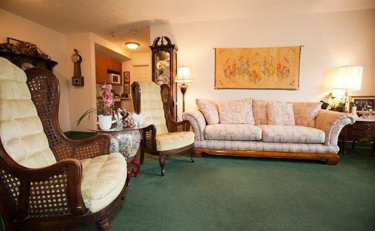 photo of Charlton Place Rehabilitation & Healthcare