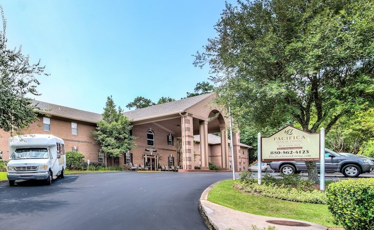 photo of Pacifica Senior Living Woodmont