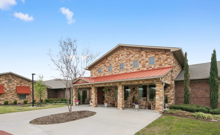 photo of River Oaks Assisted Living & Memory Care