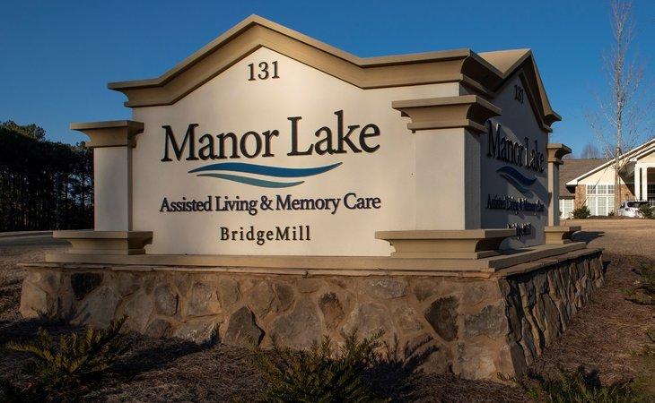 photo of Manor Lake BridgeMill