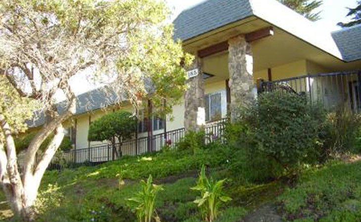 photo of Pacific Oaks Memory Care