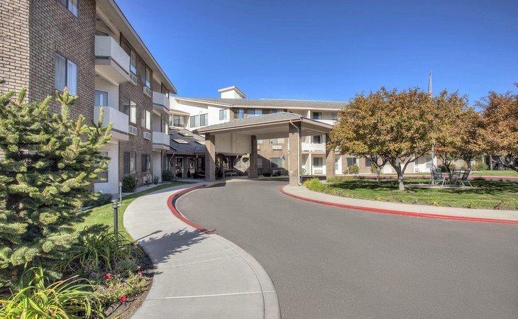 photo of Carson Plaza