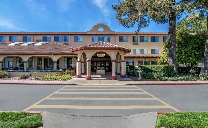 photo of Redwood Retirement Residence