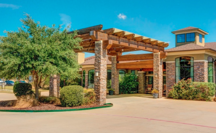 photo of The Auberge at Benbrook Lake