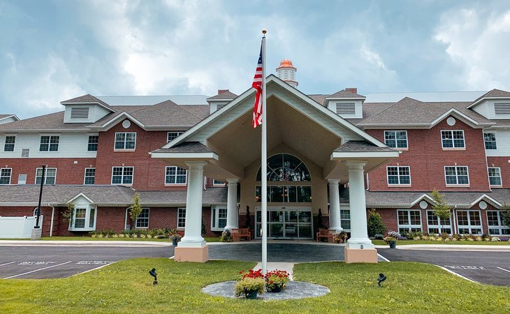 photo of South Hills Square Retirement Community Now Open!