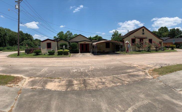 photo of White's Cottage Center